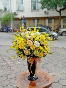 3 cách cắm hoa đơn giản nhưng vẫn đầy tinh tế