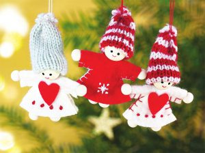 Người tuyết trang trí cây thông từ vải và len
