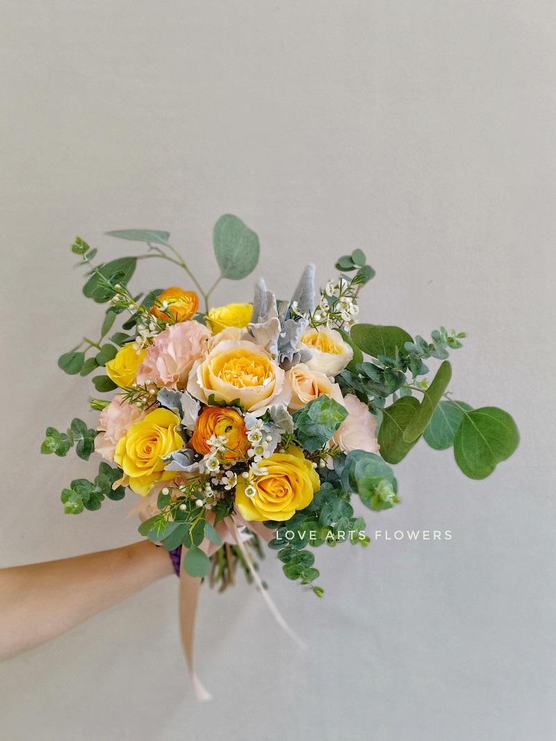 Những mẫu hoa cưới cầm tay cho cô dâu thêm lung linh